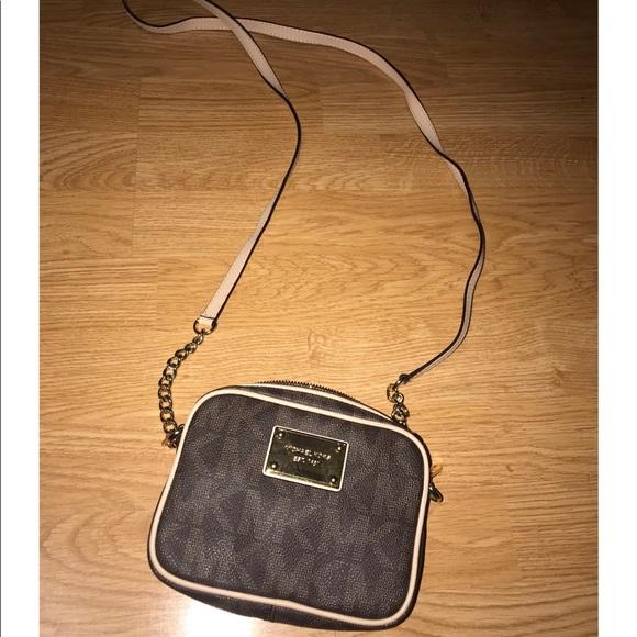 Michael Kors Handbags - Michael Kors Jet Set Crossbody Bag